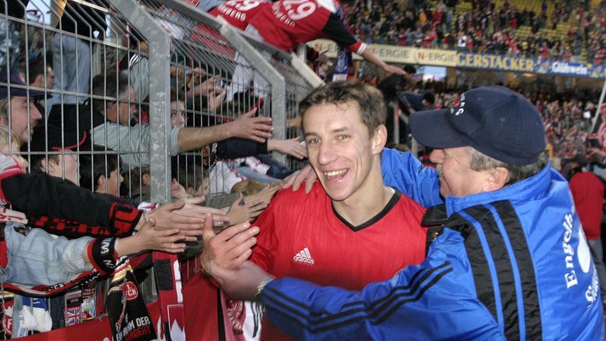 Marek Mintal, Liebling der Fans, verabschiedete sich im Sommer 2011 von Nürnberg, um nach einjährigem Gastspiel in Rostock an den Valznerweiher zurückzukehren. Nun verlässt das Phantom den Club und seine Stadt erneut. Hier sehen Sie die wichtigsten Stationen seiner großartigen FCN-Karriere.