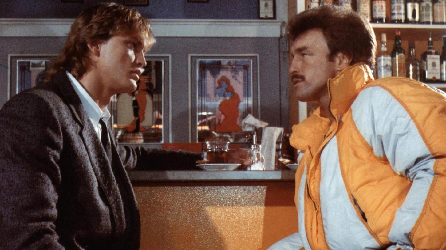 """Manche nennen ihn den besten schlechtesten Film aller Zeiten: Szene aus """"Macho Man"""" mit Peter Althof (links) und René Weller im neckischen Ballonseidenen."""