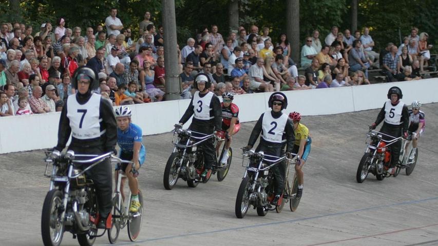 Radrennbahn Nürnberg: Saisonstart für die Mittwochsrennen