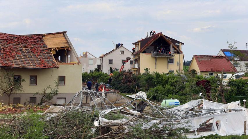 Bilder der Zerstörung: Tornado wütet im schwäbischen Affing