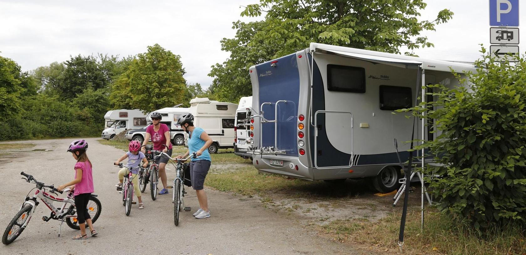 In der Nachbarstadt Forchheim schon seit Jahren im Angebot — Wohnmobilstellplätze für die Kurzzeitgäste.