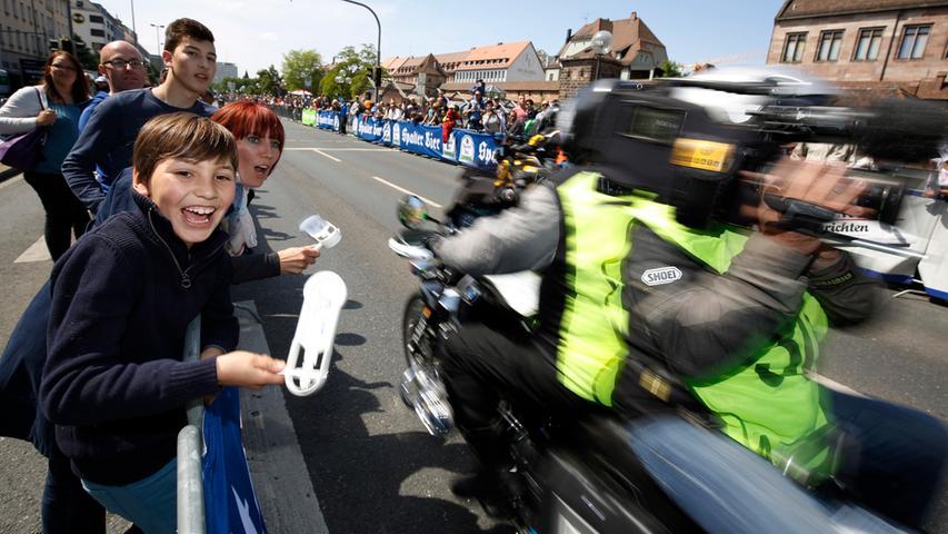 Besucher und buntes Programm: Rund ums Radrennen