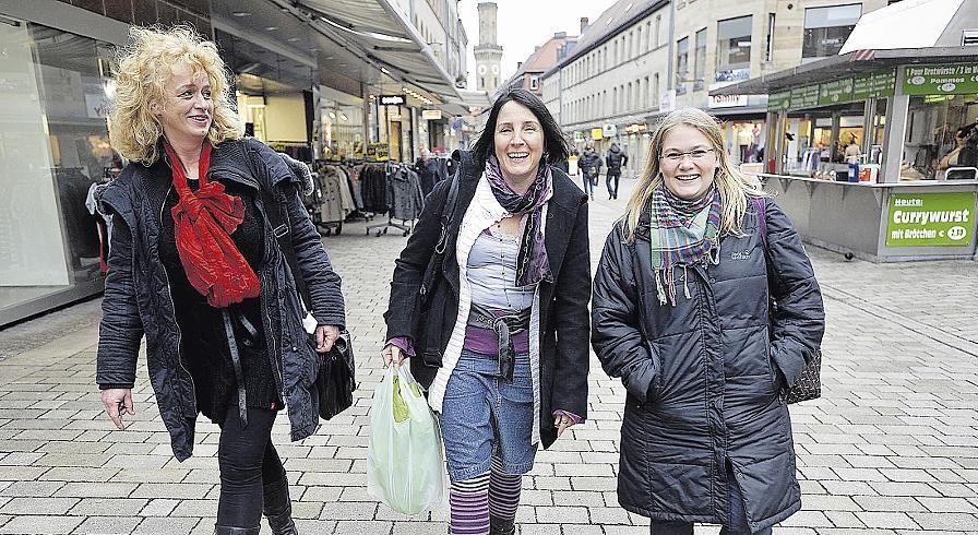 Hochwertige Fachgeschäfte wünschen sich Christina van Laak, Barbara Klug und Evi Lütke (von links).