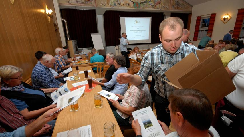 Bei einer Informationsveranstaltung in Lonnerstadt im September 2014 wurden interessierte Bürger über das Projekt informiert.