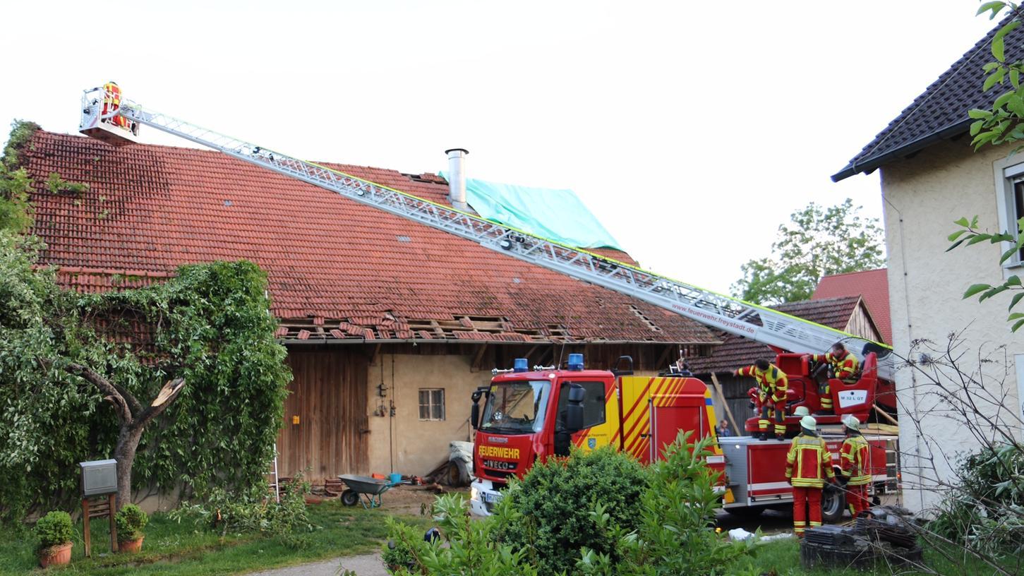 Schwerer Sturm im Freystadter Ortsteil Ohausen (Landkreis Neumarkt).