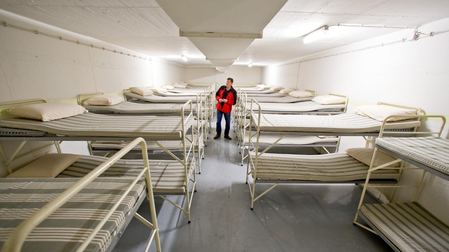 Wolfgang Faig führt seit vier Jahren Besuchergruppen durch das Bunker-Krankenhaus in Gunzenhausen.