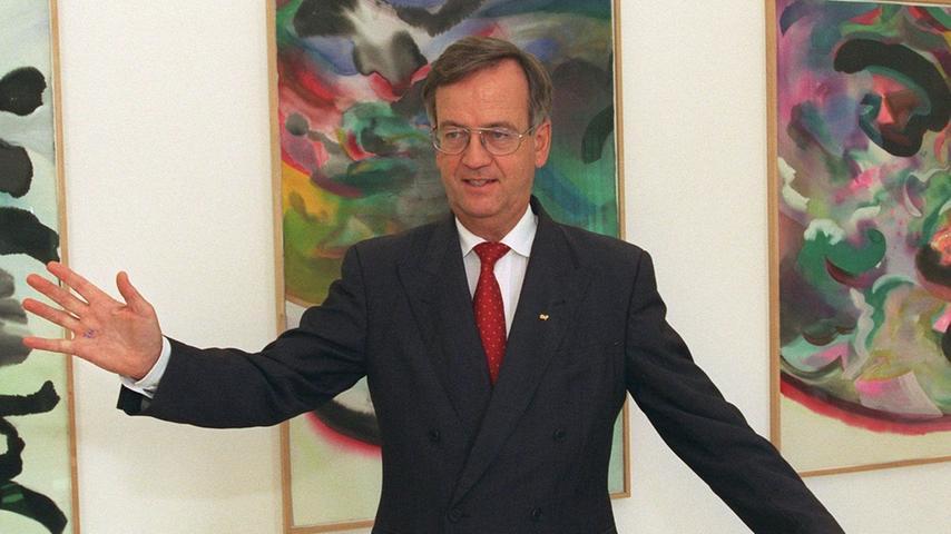 Zwei Jahrzehnte später hat es von Pierer, den Kollegen anfangs als unscheinbar und zaudernd einschätzen, in die Siemens-Vorstandsetage geschafft.