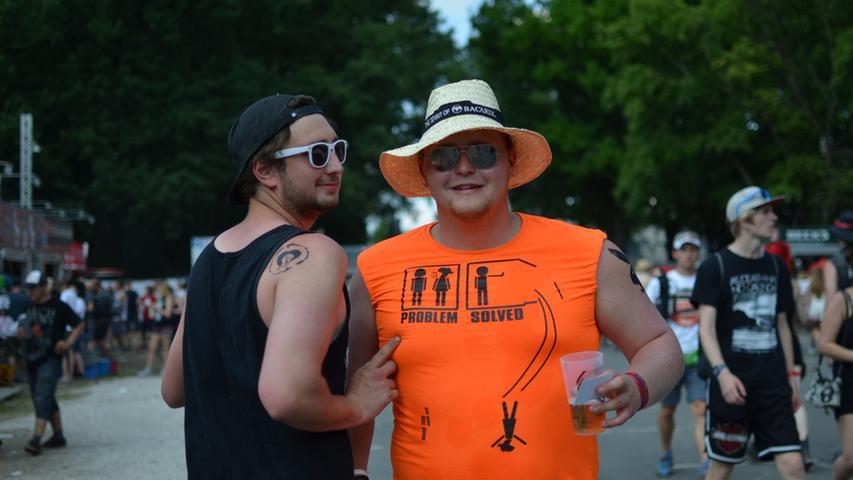 FOTO: Yvonne Neckermann, nordbayern.de; 06.06.2015..MOTIV: Nürnberg, Rock im  Park 2015..Hier: Shirts/Besucher