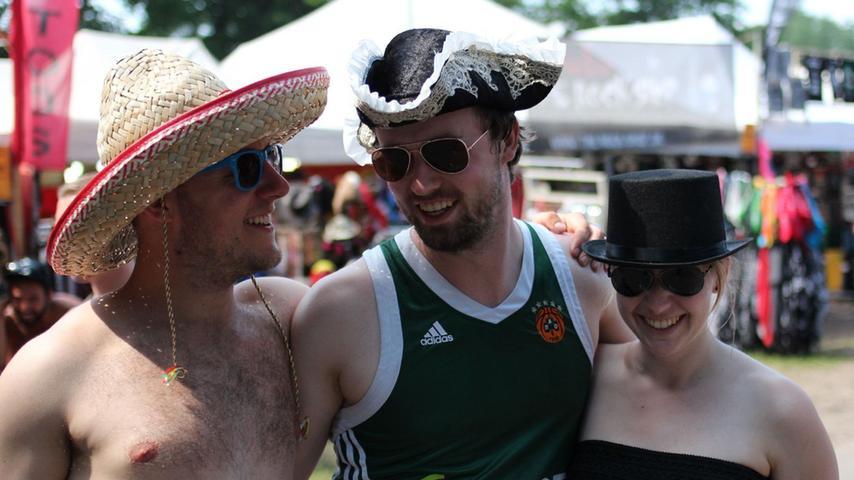 FOTO: Björn Bischoff, nordbayern.de; 07.06.2015..MOTIV: Nürnberg, Rock im Park  2015..Hier: Zuschauer