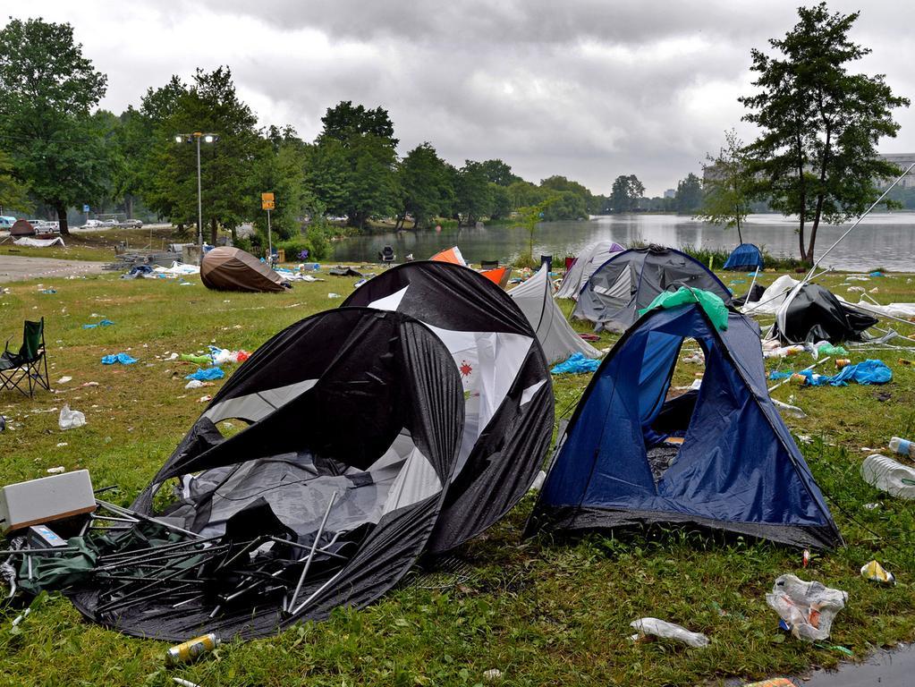 DATUM: 08.06.2015..RESSORT: Lokales Online..FOTO: Horst Linke ..MOTIV: Die  Hinterlassenschaften der Rock-im-Park-Besucher..