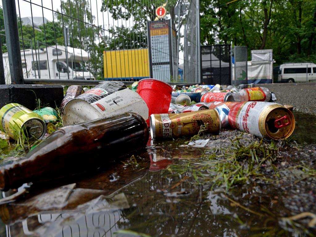 DATUM: 08.06.2015..RESSORT: Lokales Online..FOTO: Horst Linke ..MOTIV: Die  Hinterlassenschaften der Rock-im-Park-Besucher......