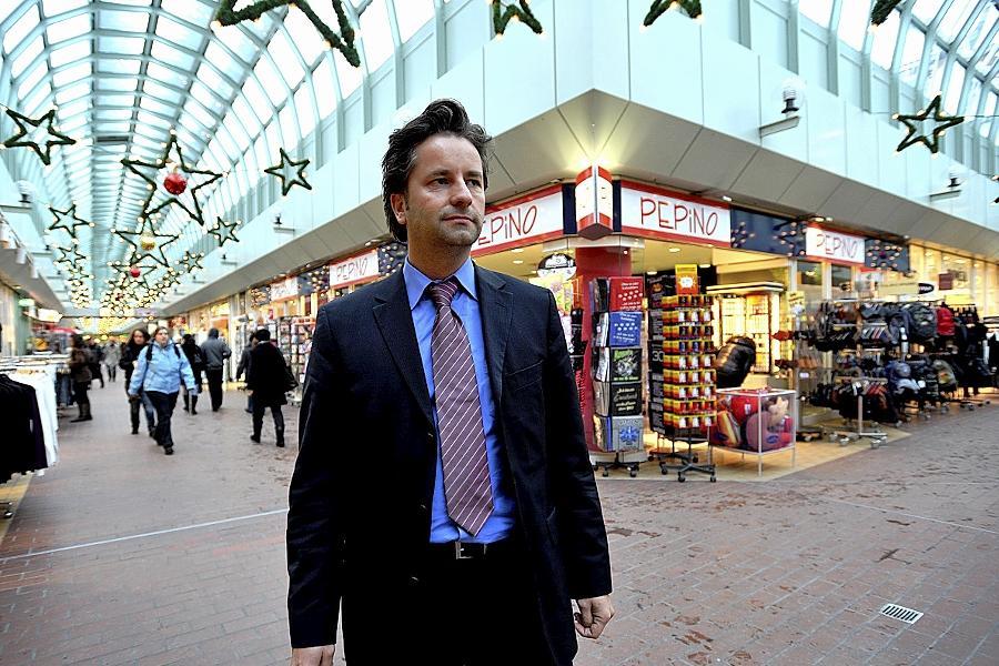TKN–Chef Miro Vorbauer, hier nach der Präsentation seiner Umbaupläne fürs City-Center kurz vor Weihnachten, ist bester Dinge.