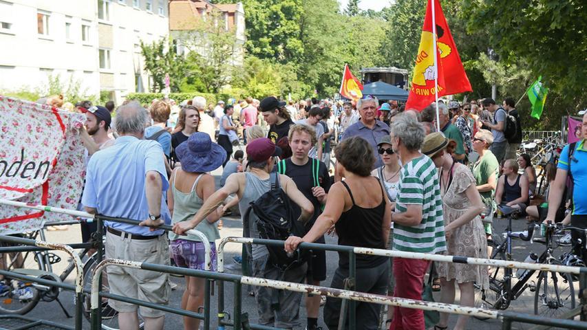 Demo gegen neurechte Messe bei Burschenschaft in Erlangen