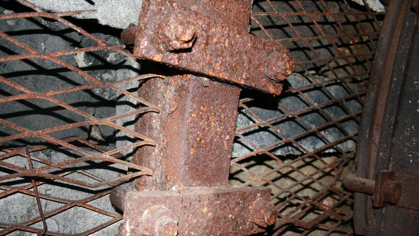 Die Rostschicht schützt das Metall.
