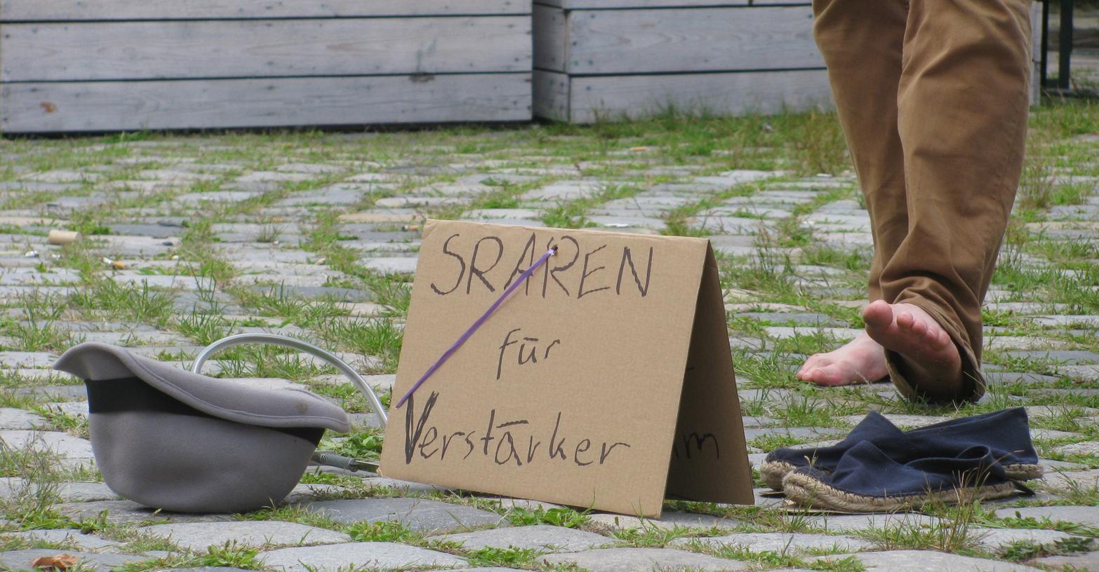 Ein Verstärker auch noch? In Nürnberg sind die für Straßenmusiker verboten. Anwohner finden: Das ist gut so.