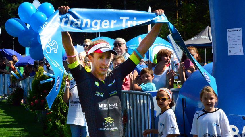 Hier der Sieger im Kurztriathlon Tobias Heining.