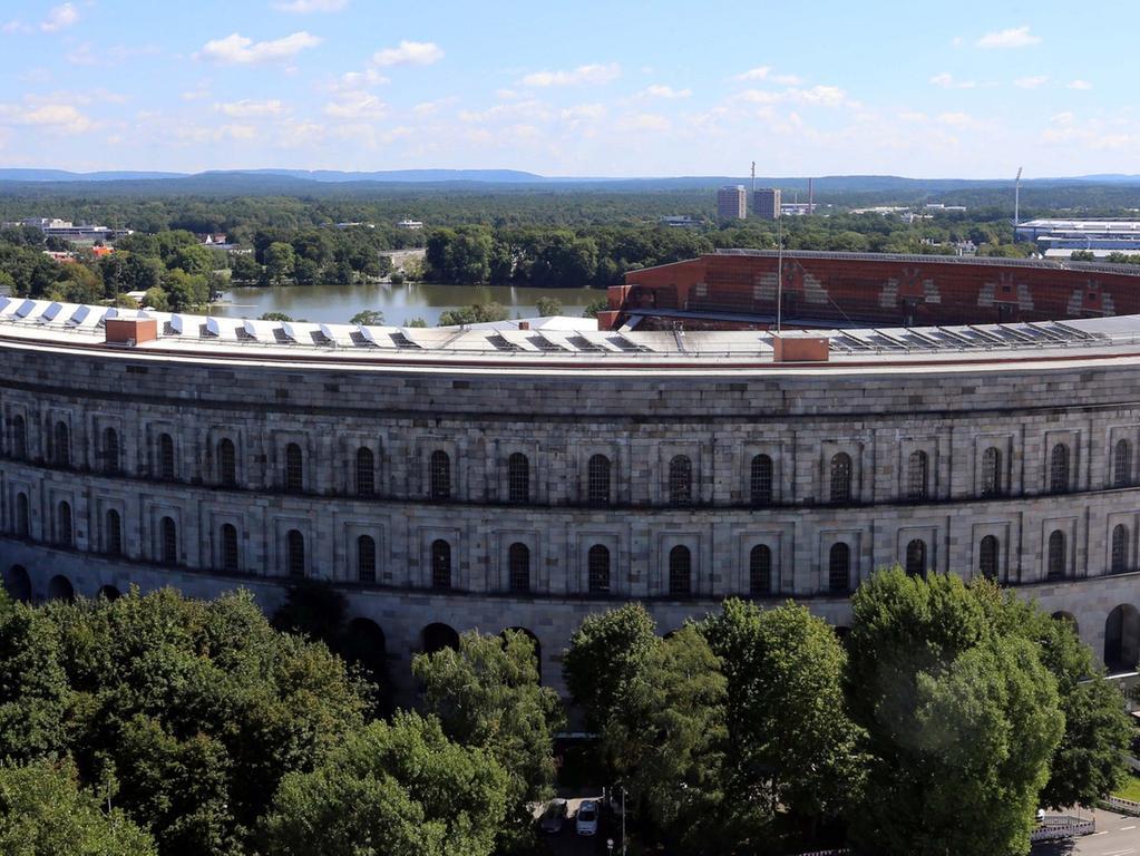 Motiv: Kongresshalle - Serie Unter Nürnbergs Dächern - Datum: 28.08.2014  Fotograf: Roland Fengler.