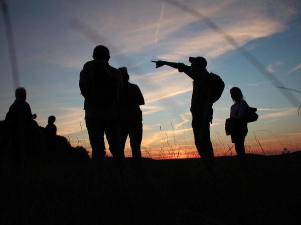 Eine spannende Nachtwanderung rund um Muggendorf erlebten sechs Teilnehmer. Geführt hat sie Robert Stein vom Fränkische-Schweiz-Verein, Sektion Muggendorf.