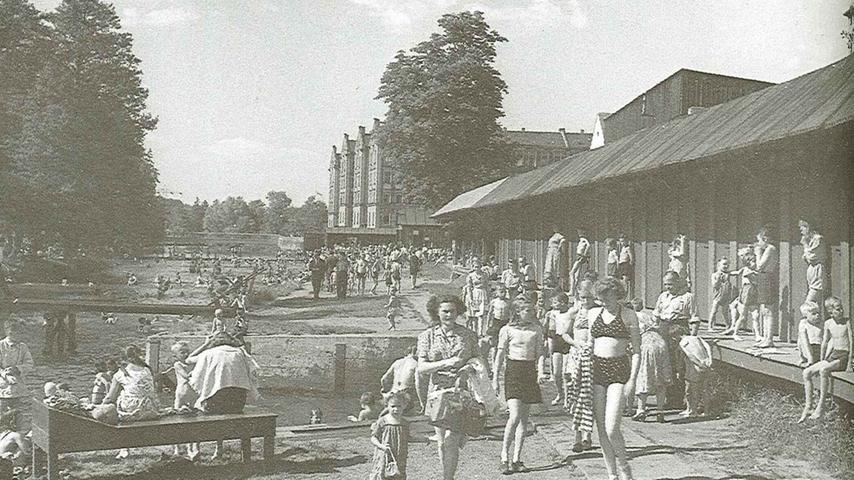 Blick auf das Freibad an der Rednitz 1950.