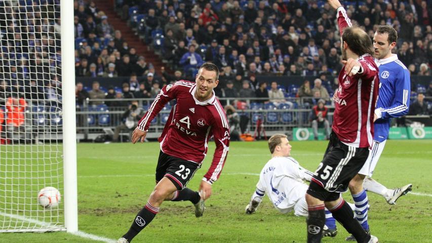 Nach aufopferungsvollem Kampf verliert der Club nach zweimaliger Führung auf Schalke mit 2:3 nach Verlängerung.