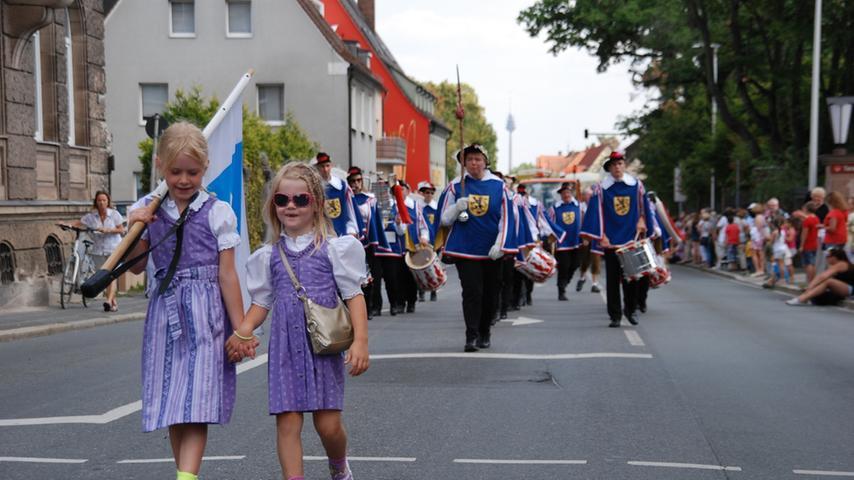 Kirchweih-Festumzug Zirndorf 2015: Spielmannszug der FFW Herzogenaurach