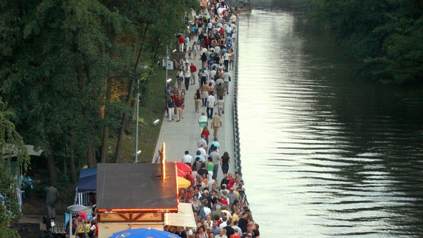 Mit einem Fest wurde die neue Uferpromenande 2007 eingeweiht.