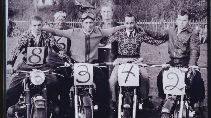 Fröhliche Herrenrunde anno 1950.
