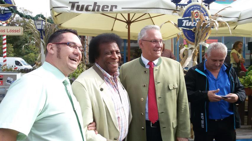 Wenige Tage später demonstrierten Blanco und Herrmann öffentlich ihr gutes Verhältnis. Der bekannte Schlagersänger, der auch Ehrenmitglied der CSU ist, begleitete den Politiker zur großen Überraschung aller Anwesenden auf das Nürnberger Volksfest. Eingefädelt hatte das Zusammentreffen die ZDF-Sendung