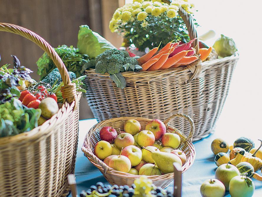 Regionales Obst und Gemüse kommt an: Immer mehr Verbraucher greifen bei ihrem Einkauf zu Waren, die aus der Region kommen und decken sich überwiegend auf Wochenmärkten ein.