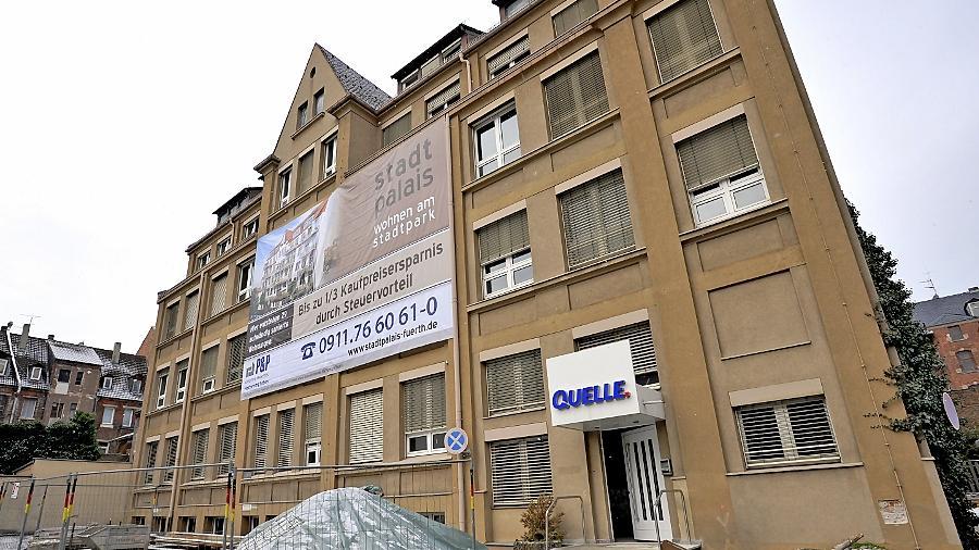 Hier beginnt bald der Umbau: Stadtpalais nennt sich dieses Bauprojekt, das in ehemaligen Quelle-Büros in der Jakobinenstraße 5—7 neuen Wohnraum schafft.