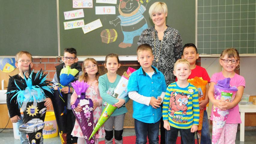 Schulanfang 2015 in der Dr. Dittrich Förderschule in Pegnitz. Für acht ABC-Schützen, fünf Jungen und drei Mädchen fängt der Ernst des Lebens an.