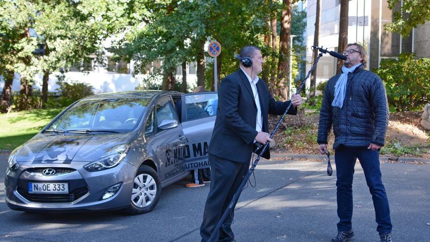 Dreharbeiten zu Macho Man 2 im Südwestpark Nürnberg, Peter Althof immer gut für  einen Scherz aufgelegt, 27.09.2015, ToMa-Fotografie