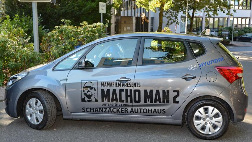 Dreharbeiten zu Macho Man 2 im Südwestpark Nürnberg, das Promotionauto,  27.09.2015, ToMa-Fotografie