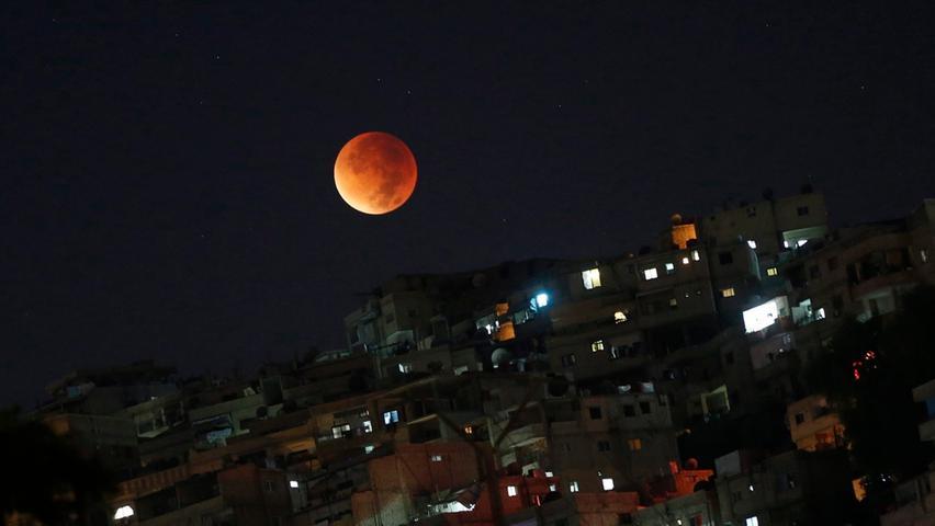 Weltweit fieberten Astronomiefans und Hobbyfotografen dem Mond-Spektakel entgegen - der Hype reicht bis nach Damaskus, der Hauptstadt Syriens.