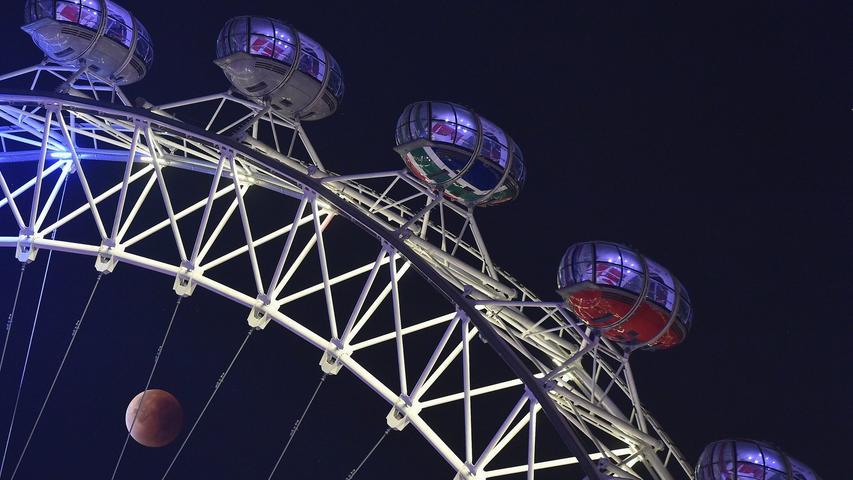 Auch in London sorgte der Super-Blutmond für offene Münder. Ein relativ guter Ort zur Beobachtung: Das