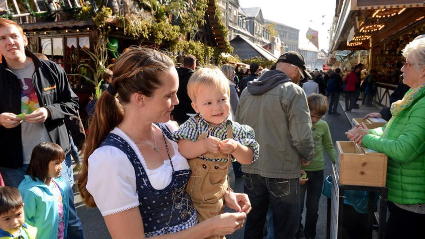 FOTO: Hans-Joachim Winckler DATU: 3.10.20915..MOTIV: Michaelis-Kirchweih  Rundgang am Eröffnungstag