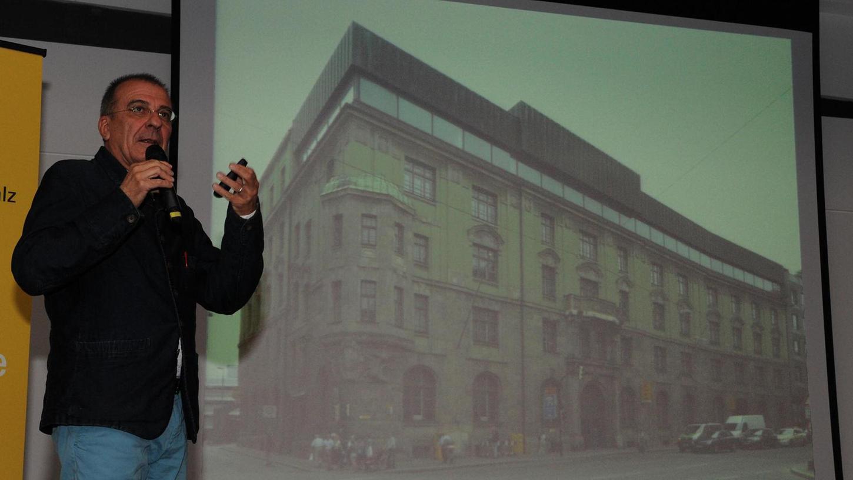 Der Architekturhistoriker Pablo de la Riestra hatte für seine Erkenntnisse zahlreiche Einzelbelege. Seine Grundthese: In Deutschland ist der Respekt vor der historischen Bausubstanz unterentwickelt.