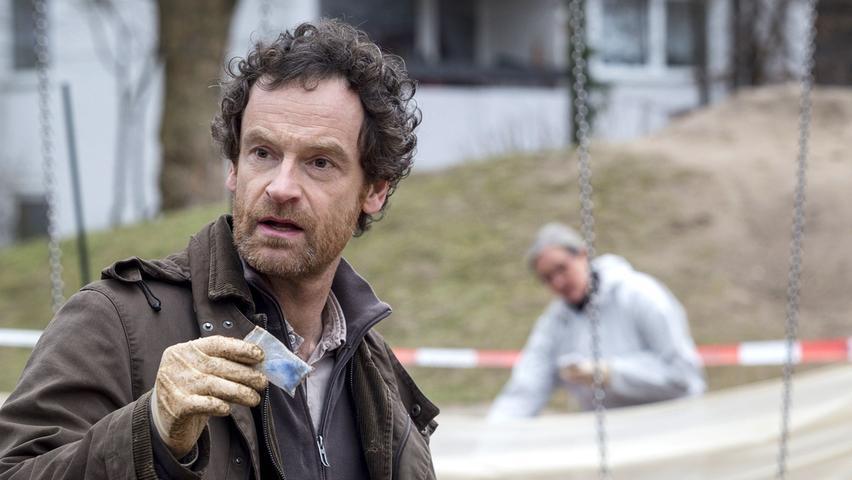Ebenfalls 4400 Euro würde Peter Faber erhalten, der in Dortmund Verbrechen aufdeckt.