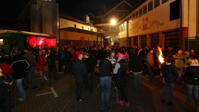 So wie vergangenen Samstag bei der Brauerei Kitzmann in Erlangen gibt es immer emhr Bockbieranstiche auch in der Region um Nürnberg herum. Hochburg ist und bleibt natürlich Oberfranken. Bierpapst Markus Raupach erklärt, warum.