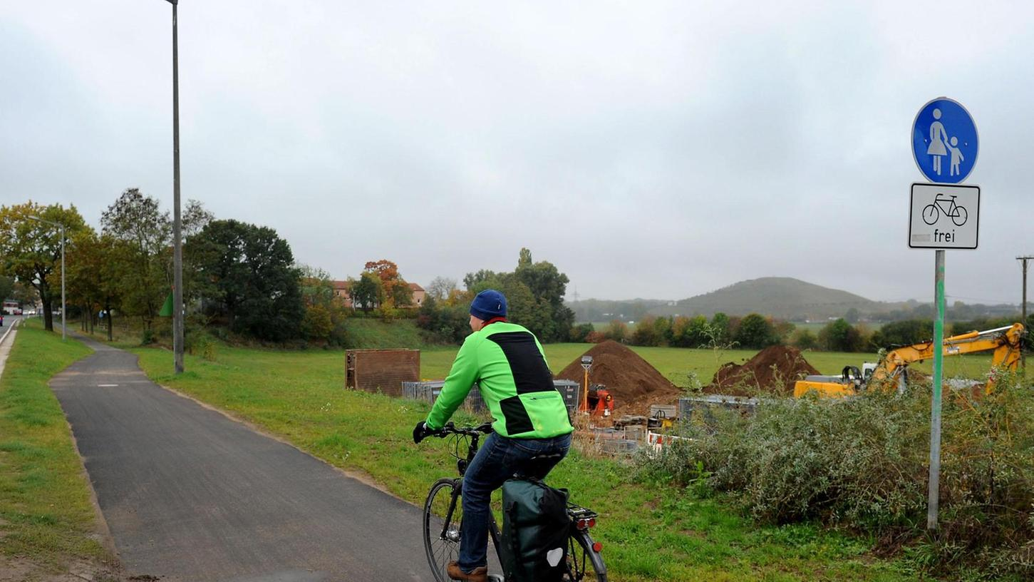 Mehr Komfort zwischen Stadeln und Mannhof: Hier wird der Fuß- und Radweg verbreitert.