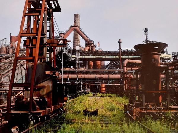 Wenn sich Männer die Erde untertan machen, entsteht so etwas wie das Eisenwerk Völklinger Hütte. Die Fotografin Johanna Klose spürte hier dem verlorenen Paradies nach.