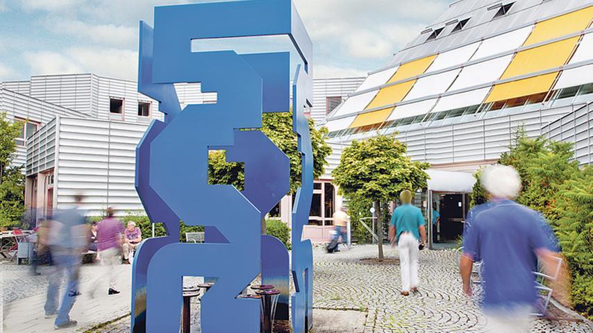 Das Krankenhaus in Weißenburg ist zusammen mit dem in Gunzenhausen seit 2013 Teil des Klinikums Altmühlfranken. In Weißenburg arbeiten die Spezialisten  für Gastroenterologie mit Diabetologie sowie Viszeral- und Thoraxchirurgie.