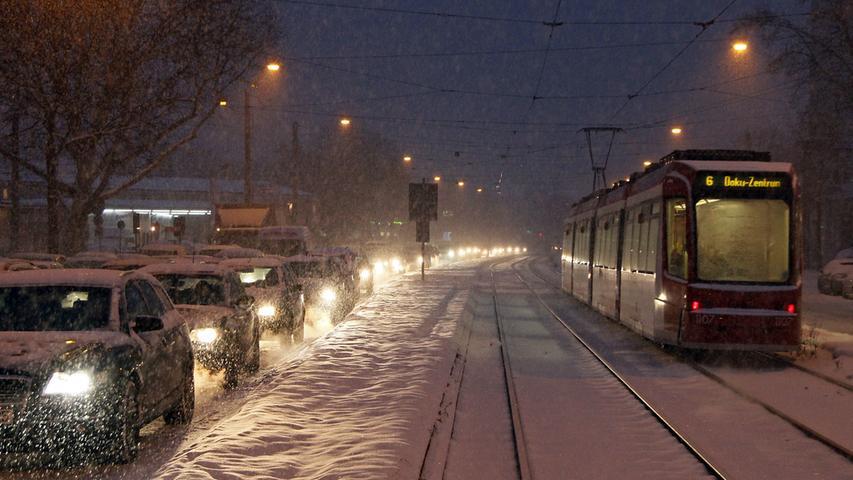 Lediglich Pendler und Autofahrer dürften ziemlich entnervt gewesen sein - denn so manche Bahn fiel aufgrund des Wetters aus oder hatte Verspätung.