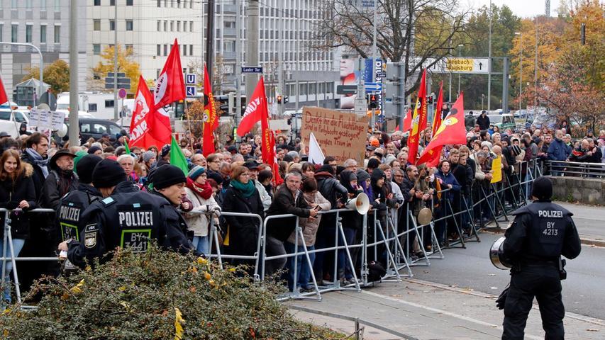 Nach Demo am Rathenauplatz: Hunderte stellen sich gegen Pegida