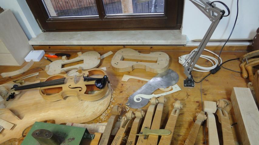 Tag der offenen Werkstatttür: Gitarren und Geigen in Bubenreuth