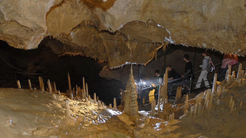 Sie zieht etliche Besucher an: die Teufelshöhle in Pottenstein. Nun haben zwei Forscher nach jahrelanger Suche noch einen versteckten Raum in dem unterirdischen Gebilde gefunden.