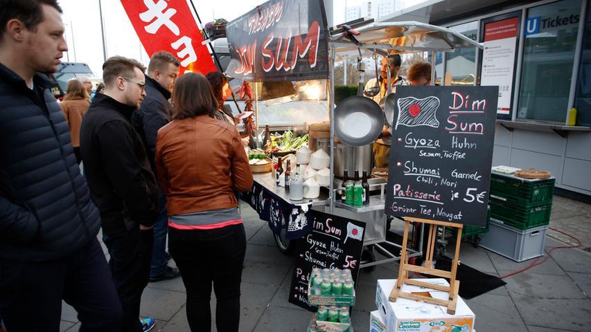 Nuernberg , 13.12.2015..Ressort: Lokales Fotografie: Stefan Hippel..Messe  Nuernberg , Street Food Market , Tashiro Dim Sam mit japanischen  Nudelteigtaschen..