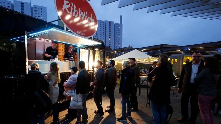 Nuernberg , 13.12.2015..Ressort: Lokales Fotografie: Stefan Hippel..Messe  Nuernberg , Street Food Market , Rib Witch..