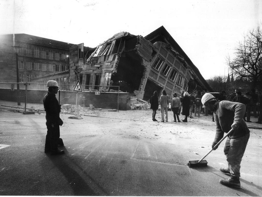 Ein Teil des früheren LGA-Gebäudes wurde sogar gesprengt.