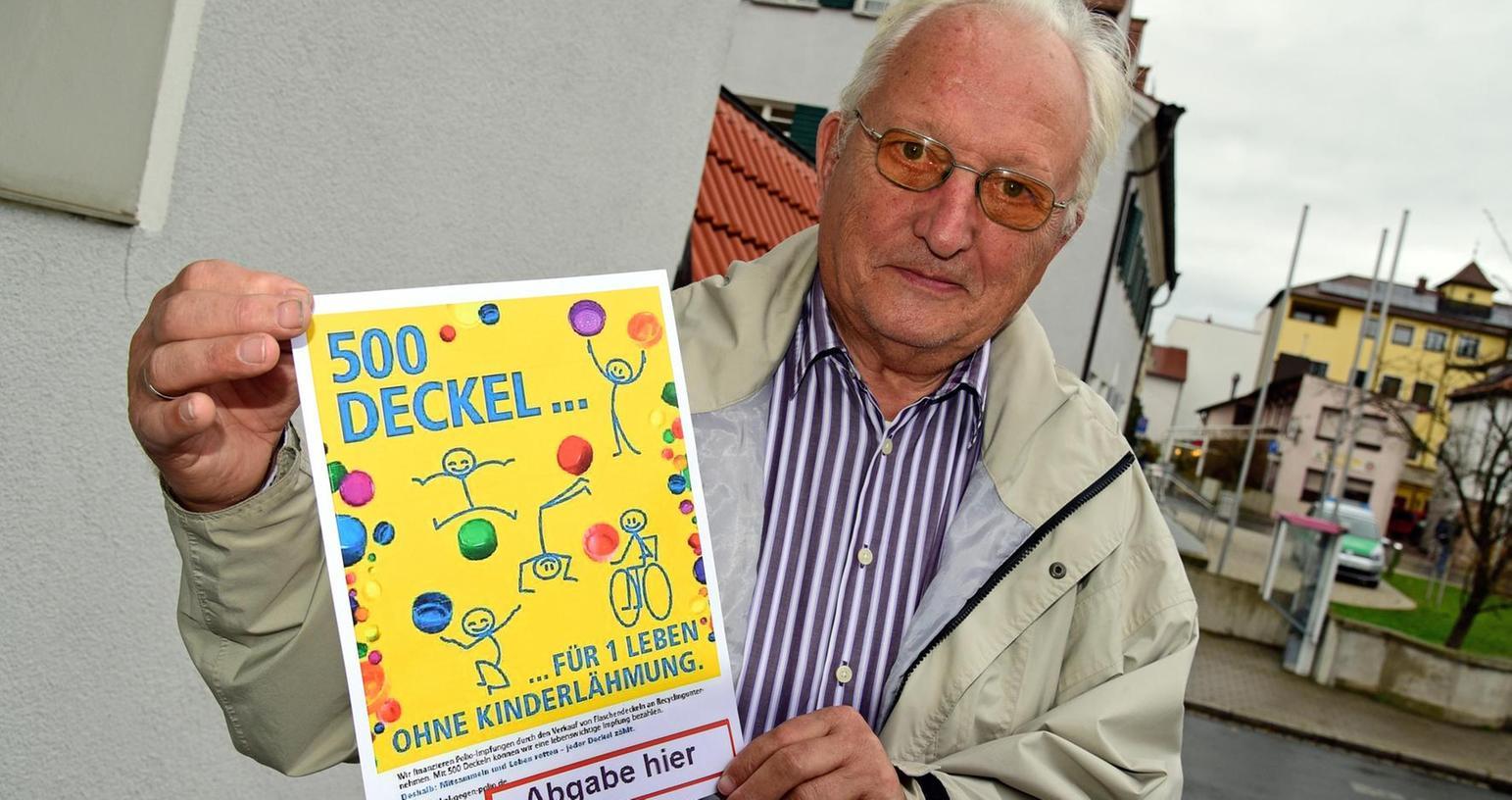 Hendrik Seegebarth zeigt das Plakat zur Aktion: Er hofft, dass viele mitmachen.